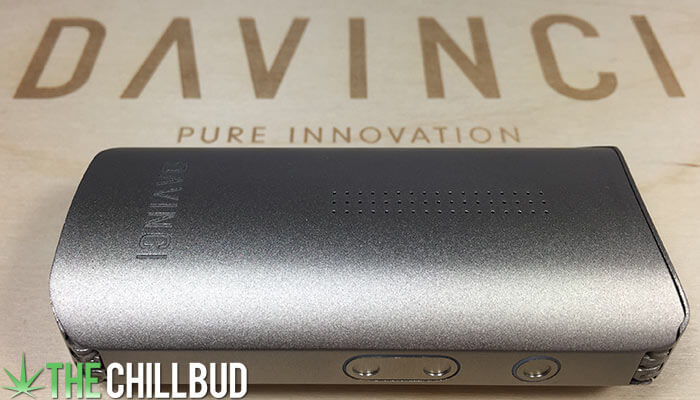 Davinci-IQ-Vaporizer-on-wood