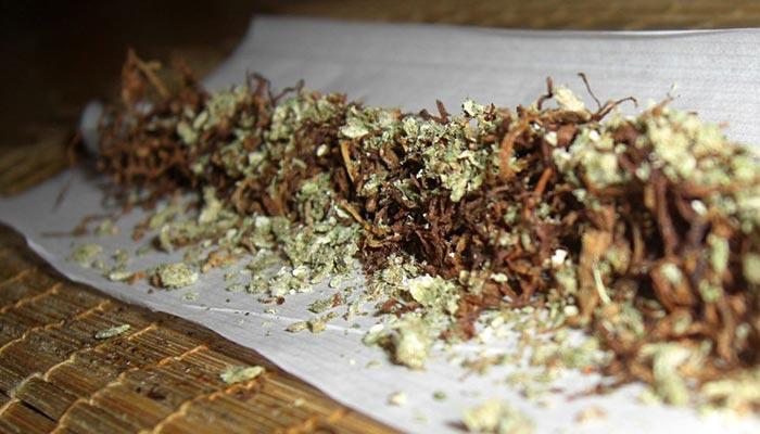 Spliff-marijuana-and-tobacco