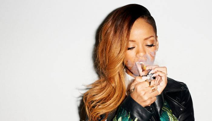 Rihanna-smoking-a-blunt-successful-stoners
