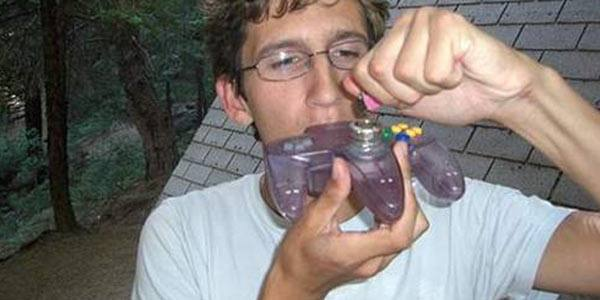 Nintendo-64-controller-pipe