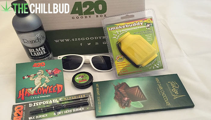 Unboxing-the-420-goody-box-october